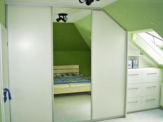 Schlafzimmerschrank mit Schiebetüren - Schreinerei